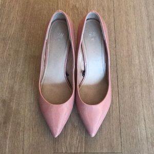 H&M pink pumps. Sz 40 (US 9) but fits like 8.5